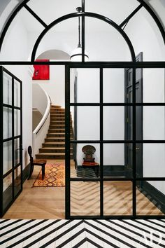 First Impressions: Tips to revamp your entry way, courtesy of the best entrances out there!  Design Tips | Decorating | Organization | Beautiful Rooms | Halls and Entryways | Hadley Court Interior Design blog