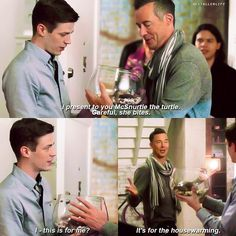 """#TheFlash 3x10 """"Borrowing Problems From The Future"""" I loved how amazed Barry was by the turtle."""