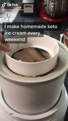 Low Sugar Ice Cream, Keto Ice Cream, Ice Cream Toppings, Coconut Ice Cream, Whipped Cream, Keto Chocolate Ice Cream Recipe, Diabetic Ice Cream, Cuisinart Ice Cream Recipes, Keto Friendly Ice Cream