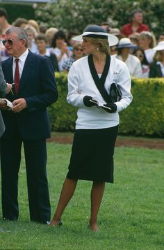 Lady Diana Spencer at Cowdray Park Polo Club in Gloucestershire, July On the left is Sarah Ferguson. Get premium, high resolution news photos at Getty Images Princess Diana And Charles, Princess Diana Fashion, Princess Diana Pictures, Princess Diana Family, Princes Diana, Princess Of Wales, Spring Racing Dresses, Black And White Suit, White Suits