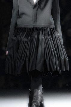 metamorphosis-style: Yohji Yamamoto Paris Fall 2012