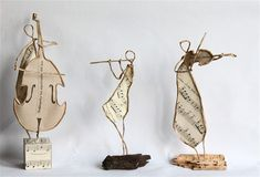 Epistyle: Petit concert Wire and paper sculptures Paper Dolls, Art Dolls, Sculptures Sur Fil, Paper Sculptures, Art Du Fil, Funky Jewelry, Wire Crafts, Wire Art, Teaching Art
