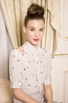 The topknot can be hard to pull off without it looking silly, here it's perfect. Two topknot rules: 1) Tease hair before to make the bun a good size - no tiny buns please! 2) Position it close to the top of your head. Look out for a topknot blog post to come on AlatiNYC.com! #topknot