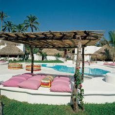 Swimming pool at Azucar Hotel in Mexico.  Architects Elias Adam and Jose Robredo, interior designer Carlos Couturier. Foto Design Hotels