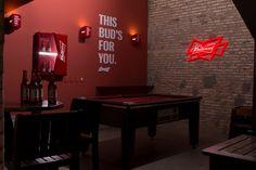 O Coppa Bar de Fortaleza ficou ainda mais bonito com o Tailor Made da Budweiser desenvolvido pela Agência IOIO.