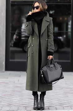 How to Choose the Best Winter Coats for Women ★ Newest Winter Coats Designs picture 1 ★ See more: http://glaminati.com/choose-winter-coats-for-women/ #style #fashion #coat #wintercoat #women'swintercoats