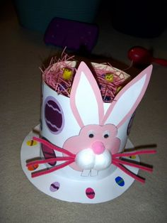 Easter hat/Easter bonnet ideas for young children. Great for the annual Easter hat parade. Easter Art, Easter Crafts For Kids, Easter Bunny, Easter Eggs, Easter Ideas, Easter Bonnets For Boys, Easter Hat Parade, 5 April, Spring Hats