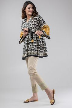 Crafted Orchestra – Khaadi PK High Fashion Pakistan Pakistani fashion is everything. Pakistani Fashion Casual, Pakistani Dresses Casual, Pakistani Dress Design, Frock Fashion, Fashion Dresses, Party Fashion, Fashion Fashion, Fashion Ideas, Fashion Shoes