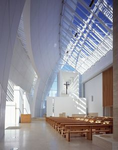 Jubilee Church, Rome Richard Meier (architect) More. Sacred Architecture, Church Architecture, Religious Architecture, Futuristic Architecture, Contemporary Architecture, Amazing Architecture, Interior Architecture, Chinese Architecture, Modern Church