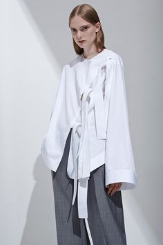 Aquilano Rimondi Resort 2017 Fashion Show Fashion Week, Fashion 2017, Love Fashion, Runway Fashion, Fashion Show, Minimal Fashion, White Fashion, Style Minimaliste, Moda Chic