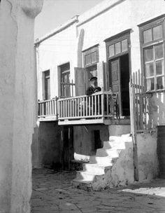 Paul Collart 1926 έως L'espace audiovisuel et multimédia de l'Université de Lausanne Old Time Photos, Old Pictures, As Time Goes By, Lausanne, Mykonos, Multimedia, 1930, Greece, Black And White