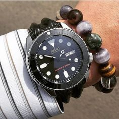 Seiko Stealth Mod  Seiko Skx007 modded with Sub Stealth Ceramic Insert Double Dome Sapphire Crystal & Black Merc Hands  Courtesy of @tappymappy  Explore modification ideas and designs at www.DLWwatches.com  #seiko #seikomod #skx007 #skx009 #bezel #ceramic