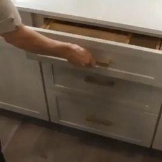 Kitchen Cupboard Designs, Kitchen Cabinet Storage, Kitchen Room Design, Modern Kitchen Cabinets, Kitchen Drawers, Modern Kitchen Design, Home Decor Kitchen, Interior Design Kitchen, Kitchen Organization
