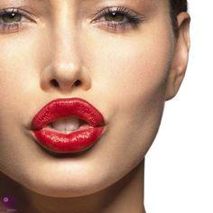 Ter a boca da Angelina Jolie? Quem não queria? Lábios carnudos é por unanimidade um símbolo de sensualidade e não existe mulher na face da terra que não queria ter! Não existe homem que não gostaria de beijar! Muitas famosas recorrem ao preenchimento, e nós já vimos que o resultado não fica muito bom, não [...]