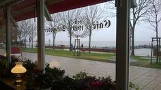 Wyk auf Föhr. Blick aus dem Café Steigleder am Sandwall