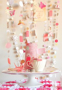 Paper Wings & Pretty Things: 10 Festive DIY Projects Made From Paper | Dotcoms for Moms