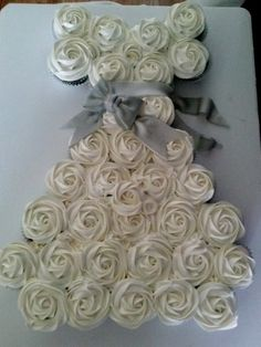 Wedding shower cupcake cake.  I will have to try this for the next bridal shower I host