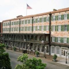 Built in 1851, The Marshall House is Savannah's oldest hotel and perhaps one of the city's most haunted establishments. The four-story building has served as a hospital for Civil War soldiers, as