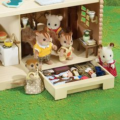 Sylvanian Families Larchwood Lodge   Dolls' houses and playsets   Dolls and soft toys   All Categories   TheToyshop Store