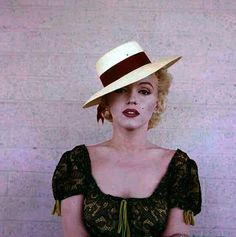 Marilyn on the set of Bus Stop, 1956. Photo by Milton Greene.