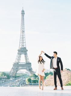 destination engagement photos Paris | Photography: Amanda Wei Photo