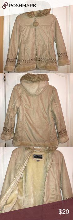 Girls winter coat Girls winter coat. Size 14/15-Large. NEVER USED Jackets & Coats