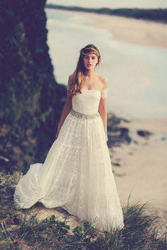 #koronka #gipiura #skromna #sukniaślubna