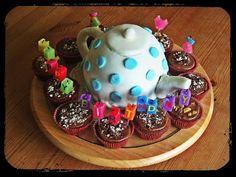 Teapot cake: what a