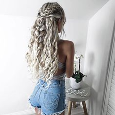 Long Hair Festival Hair Braid Wave Long Hair Hairstyle Lures Waves Braided Hair – Hair / Hairstyles - All For Hairstyles DIY Grey Curly Hair, Curly Hair Styles, Long Curly, Prom Hair Styles, Curly Hair Designs, Curly Prom Hair, Thick Hair, Curly Blonde, Pretty Hairstyles