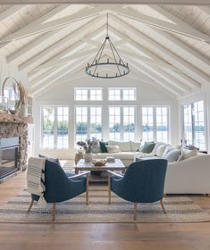 Lake House Summer Tour – The Lilypad Cottage - Zimmereinrichtung Lilypad Cottages, House Styles, Beach House Interior, Family Room, Cottage Interiors, Home Living Room, New Homes, House, Cottage Decor