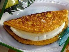 """La Cachapa ~ Simplemente Venezuela (Veneçiuela); delicious Venezuelan dish; a sort of corn pancake with """"Queso de mano"""" inside. YUM!"""