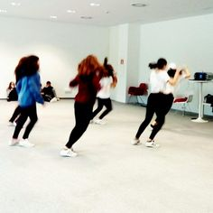 ¡Baila! Hip-hop en el Centro Niemeyer Baile Hip Hop, Ballet Skirt, Skirts, Fashion, Kid Books, Centre, Moda, Skirt Outfits, Skirt