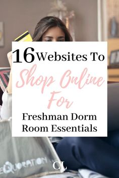 Here are the best stores to shop at online for dorm decor. Have the trendiest dorm items shipped to right to your door! Dorm Room Desk, Dorm Room Closet, Cozy Dorm Room, Dorm Room Storage, Dorm Room Necessities, Dorm Essentials, Cheap Dorm Decor, Dorm Decorations, College Dorm Organization