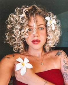 66 Chic Short Bob Hairstyles & Haircuts for Women in 2019 - Hairstyles Trends Short Bob Hairstyles, Vintage Hairstyles, Hairstyles Haircuts, Cool Hairstyles, Relaxed Hairstyles, Black Hair Extensions, Hair Trends, Naturally Curly, Blonde Highlights