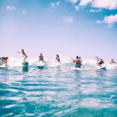 : Surf's Up ✖️ Weekend's Here! (pc: rachel kapule) #kiele #kielehawaii IG: @ki_ele WWW.KI-ELE.COM