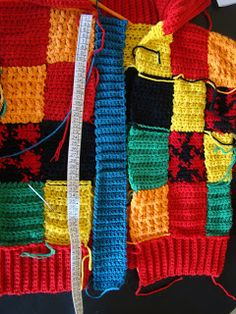 Harry Styles, Disney Tangled, Crochet Cardigan, Crochet Fashion, Clothes, Videos, Tricot, Handmade Crafts, Crochet For Baby