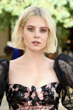 Lucy Boynton attends JNSQ Rose Cru debuts alongside Rodarte Runway Show at Huntington Library on February 5 2019 in Pasadena California Mia Farrow, Twiggy, Cara Delevingne, Pixie Cut, Lucy Boynton, Trends, Charlize Theron, Looking Stunning, Wig Hairstyles