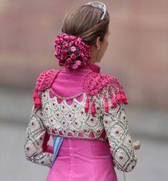 Lady Dior, Punk Fashion, Fashion Show, Flamenco Costume, Flamenco Dancers, Moda Punk, Spanish Dress, Spanish Woman, Figure Skating Dresses