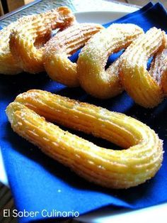 With this recipe of churros so well explained, you are going to stay Con esta receta de churros tan bien explicada, te van a quedar buenísimos. … With this recipe of churros so well explained, you will be very good. Mexican Food Recipes, Sweet Recipes, Dessert Recipes, Delicious Desserts, Yummy Food, Spanish Dishes, Pan Dulce, Latin Food, Beignets