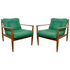 Scandinavian Modern Pair of Easy Lounge Chairs by Grete Jalk for France