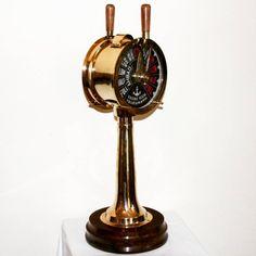 """Mosiężny telegraf maszynowy z kapitańskiego mostku, symbol komendy """"Full Ahead - Cała Naprzód!"""", obok koła sterowego i lunety telegraf maszynowy to podstawowy atrybut kapitańskiej władzy i wiedzy, symbol dowodzenia, osiągania wyznaczonego celu, parcia naprzód, nieustępliwości - telegraf maszynowy jako prestiżowa marynistyczna dekoracja, prezent dla Żeglarzy, Ludzi Morza, stylowy żeglarski upominek  http://sklep.marynistyka.org/sekstanty-c-2.html  http://Marynistyka.eu"""