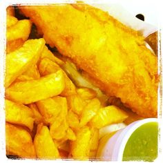 Fish and chips with mushy peas! Do you have family fish n chips on Fridays? #proudtobebritish  http://www.roehampton-online.com/About%20Us/Roehampton%20London.aspx?4231900