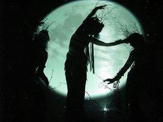 moon and witch image Dancing In The Moonlight, Luna Lovegood, Sabbat, Celtic, Moon Dance, Moon Magic, Moon Goddess, Triple Goddess, Earth Goddess