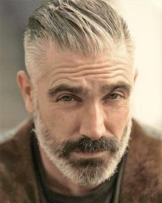 A beard now becomes the style statement for every man. Here are some of the trending beard styles for men that you will love experimenting. Older Mens Hairstyles, Haircuts For Men, Cool Hairstyles, Trending Beard Styles, Beard Styles For Men, Grey Hair And Beard Styles, Daniel Sheehan, Grey Beards, Men With Grey Hair