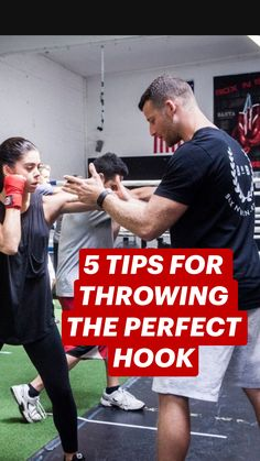 Boxing Training Workout, Kickboxing Workout, Boxing Techniques, Self Defense Techniques, Self Defense Moves, Self Defense Martial Arts, Workout Routine For Men, Gym Workout Videos, Martial Arts Workout