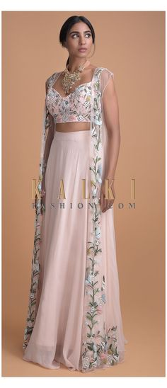 Indian Gowns Dresses, Indian Fashion Dresses, Dress Indian Style, Indian Designer Outfits, Fashion Outfits, Indian Skirt, Stylish Dress Designs, Stylish Dresses, Long Skirt Outfits