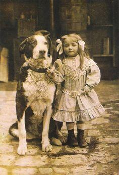 Collection Jean Henry.Paris.  Petite fille au grand chien, c.1900 - 1910  viapostalesporinternet