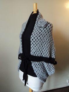 DSC06317 Crochet Bolero, Gilet Crochet, Crochet Poncho, Crochet Braids, Crochet Granny, Crochet Scarves, Diy Crochet, Crochet Ideas, Sac Granny Square