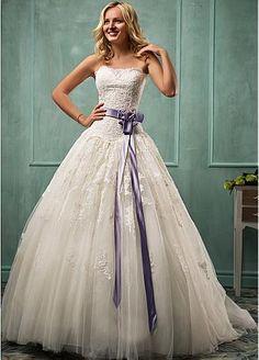 Elegant Tulle Strapless Neckline Basque Waistline Ball Gown Wedding Dress With Lace Appliques