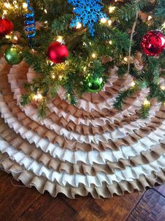 A Painted Nest: For Sale | Ruffle Tree Skirts